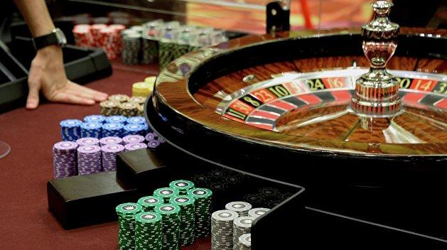 Покер онлайн смотреть бесплатно прямой эфир суши карты как играть